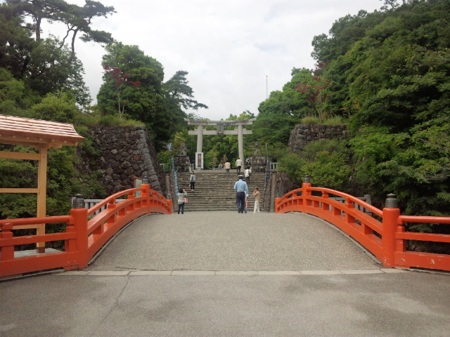 武田神社正面