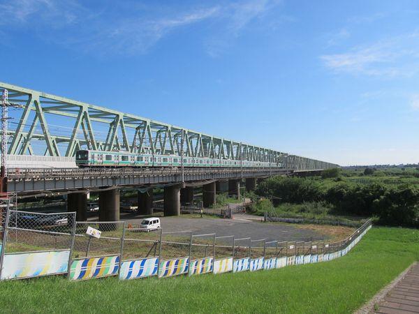 取手駅側から見た常磐線利根川橋梁。