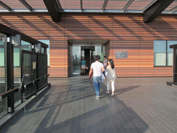 クロスエアタワーに通じる9階出入口