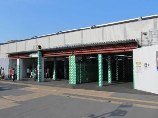 西口駅舎は昨年夏の訪問時点で更地化されており特に変化はない