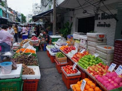 市場フルーツ