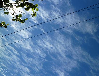 玄関からの青空
