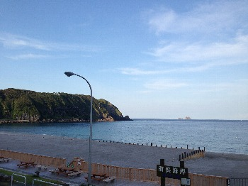 朝の神津島20130817