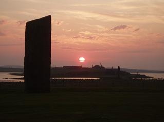 夕陽と巨石