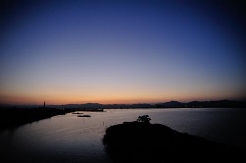 吉野川と夕日2s