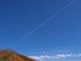 s08飛行機雲