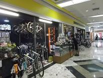 DSCF7186自転車店
