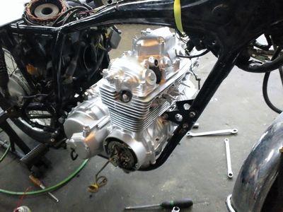 121125エンジン搭載