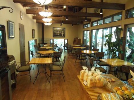 静岡県伊豆市古奈の東府やカフェ&ベーカリーの店内をデジショット
