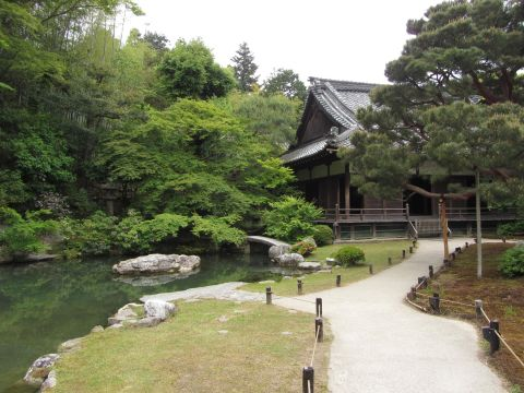 青蓮院小御所と龍心池