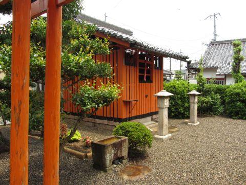 川辺稲荷神社
