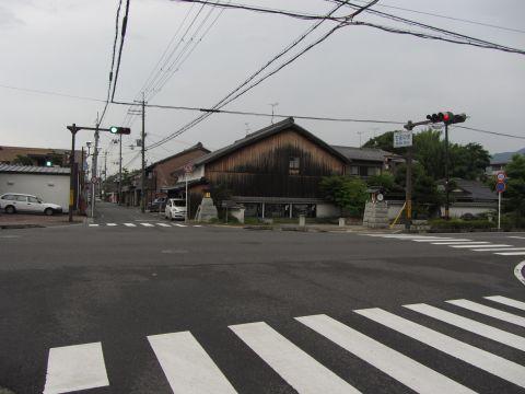 石部中央交差点