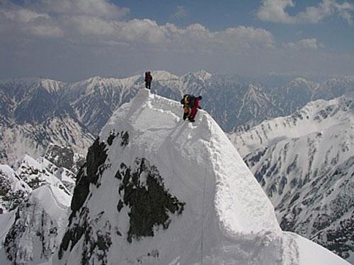 遭難した時は頂上を目指した方が良い ←みたいな豆知識教えてくれ