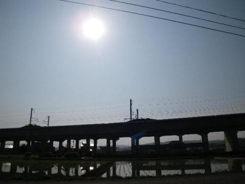 東北新幹線と日食