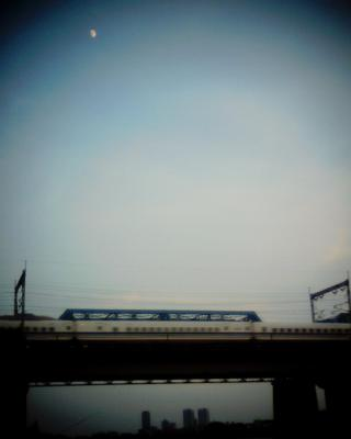 新幹線と月見:Entry