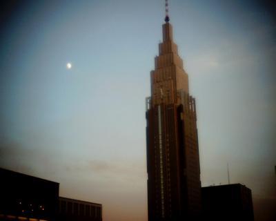 ドコモタワーと月見:Entry