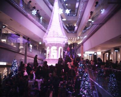 ディズニー・クリスマスツリー2:表参道ヒルズ:R2