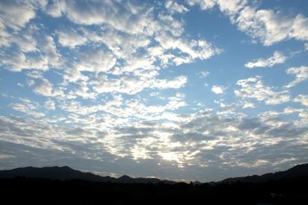 朝の雲2月18日7時56分