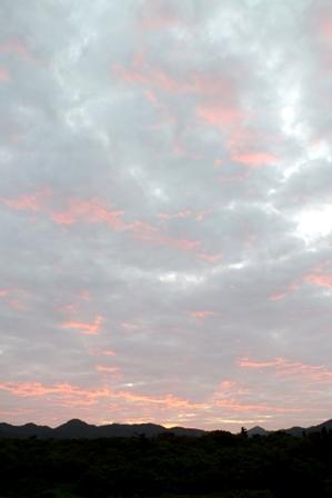 朝焼け雲2月18日7月時19分