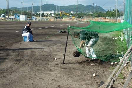第二球場捕球練習