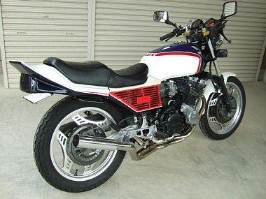 CBX550F 青白 RH