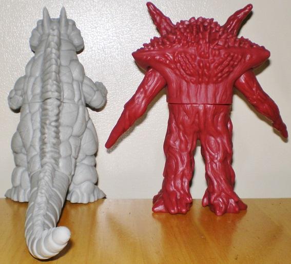 ウルトラ怪獣500 シルバゴン、ガンQ0