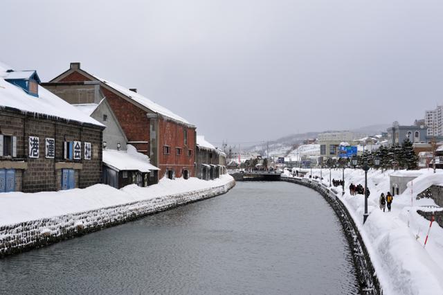 曇天の運河