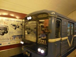 地下鉄内4