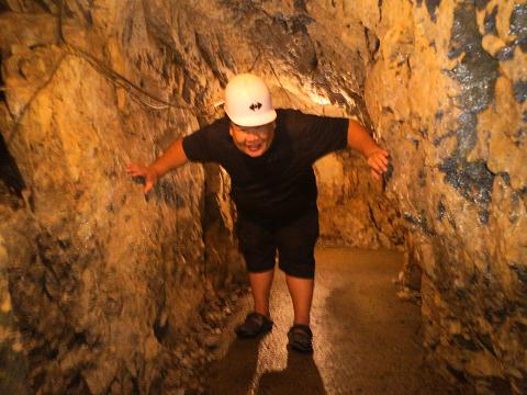登洞くつ探検30