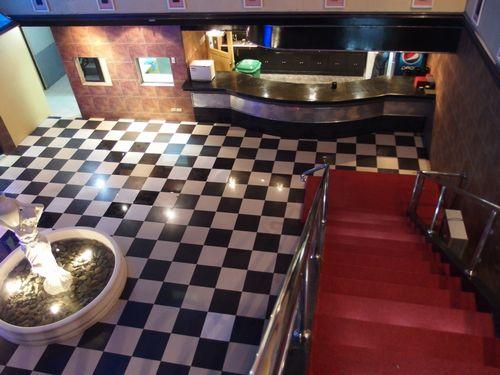 エントランスと階段