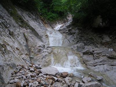 魚止滝の上の三段滝