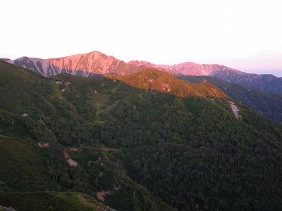朝焼けの赤牛岳