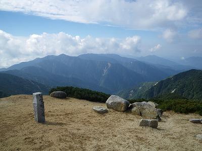 越百山から安平路