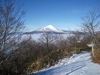 鼻曲山西峰から浅間山
