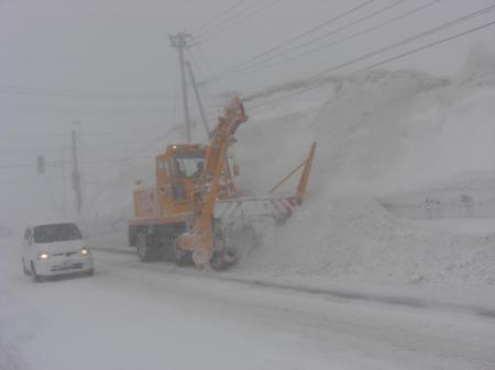 新庄市内を除雪中