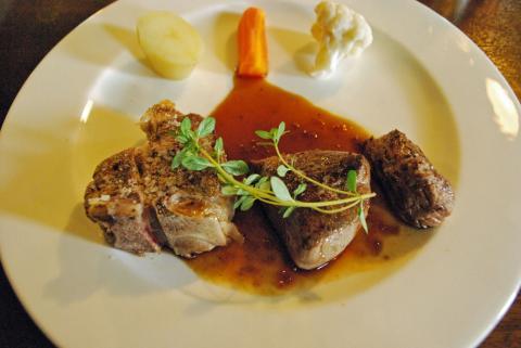 羊のステーキ
