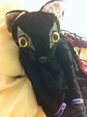 黒猫ポーチ2