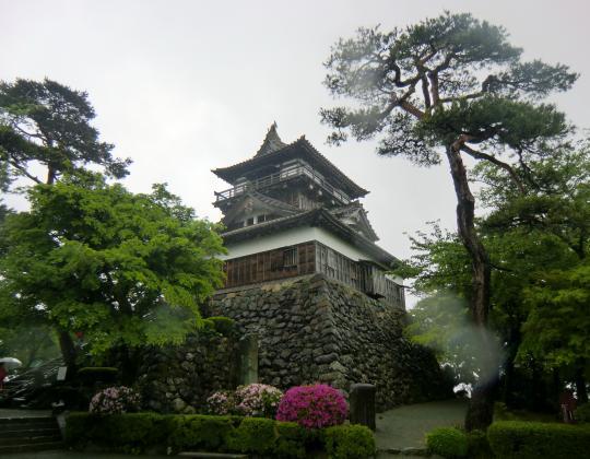 丸岡城と一筆石碑