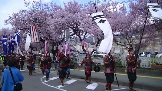 信玄公祭り 韮崎 桜と行列