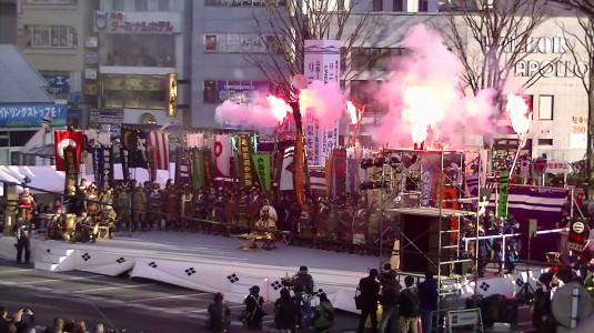 信玄公祭り 出陣式 花火