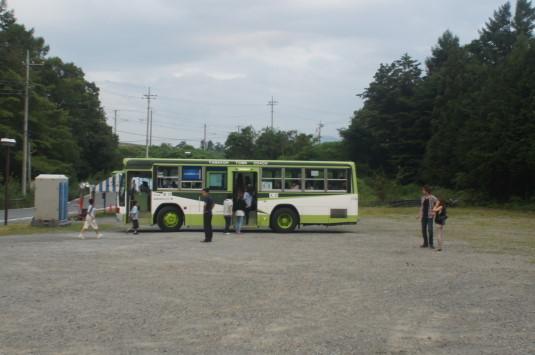 北杜ふるさとまつり 駐車場 人事バス