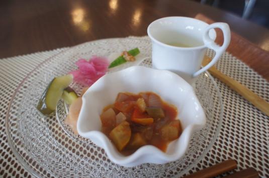 桃の冷製パスタ マルサマルシェ 前菜