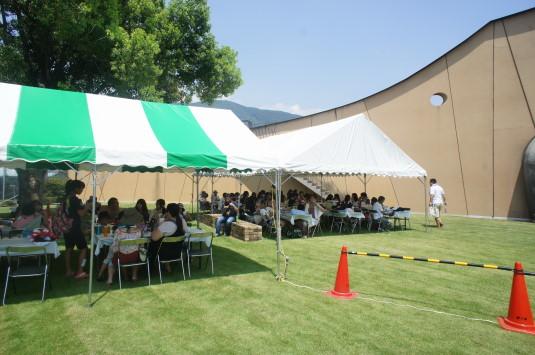 アリア祭り テント