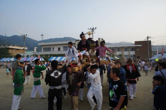 与一公祭り 神輿 子ども