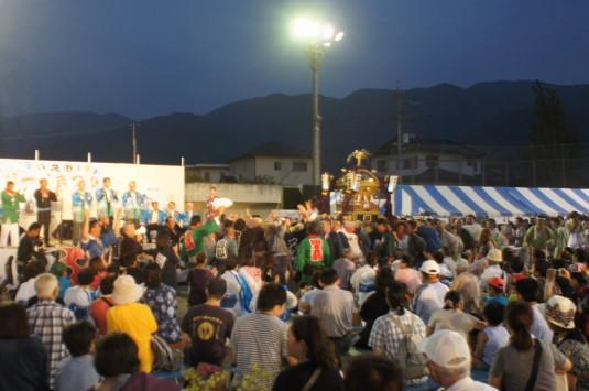 与一公祭り 神輿 ステージ