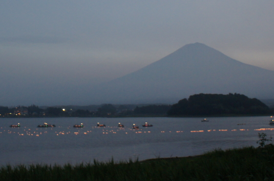 河口湖灯篭流し 富士山側