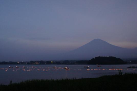 河口湖灯篭流し 外観