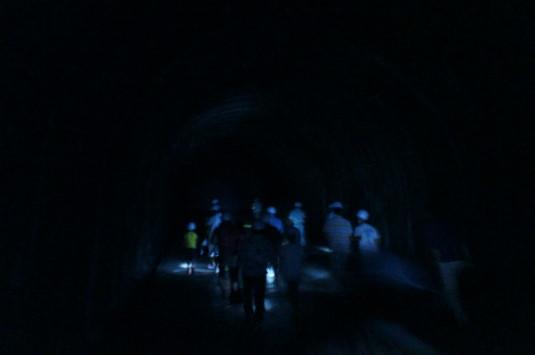 雁坂トンネルミステリーツアー ズリ搬出抗 真っ暗