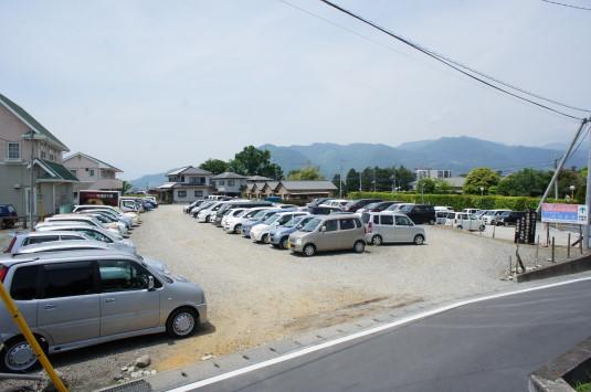 バラ 桔梗屋工場前 駐車場