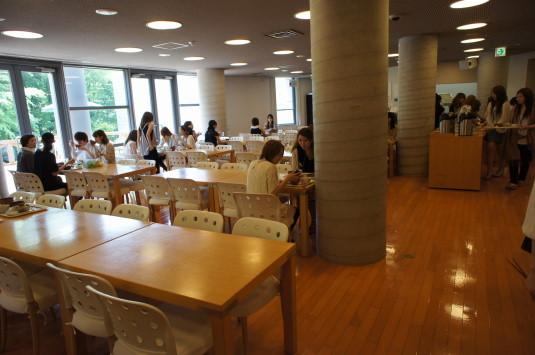 アルソア社食 食堂内